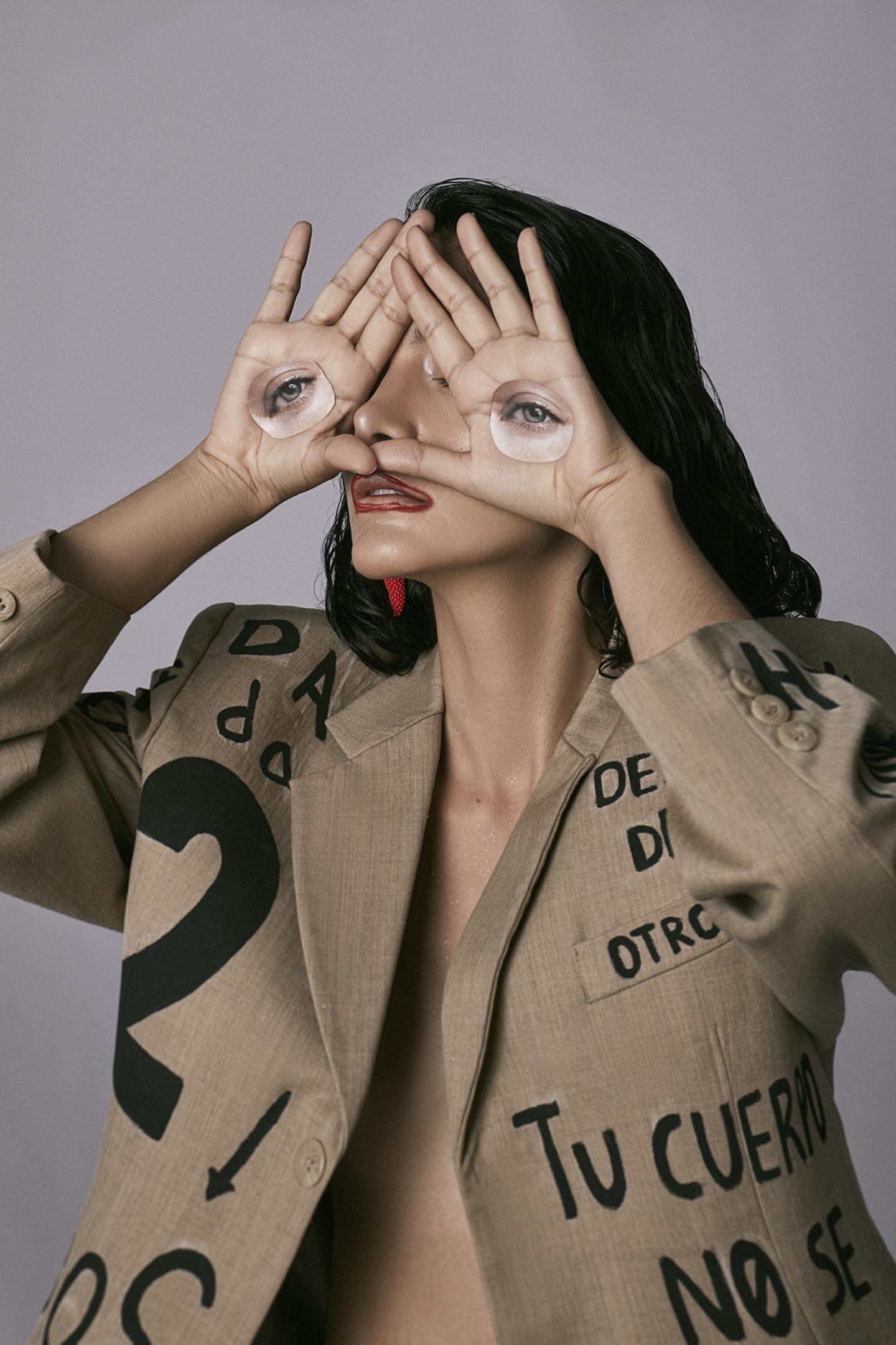 Editorial 'Dada Meets Fashion'